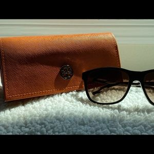 Tory Burch Subglasses